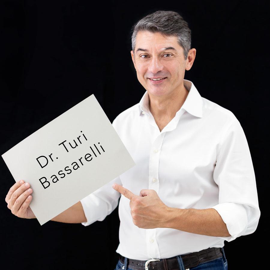 Dr. Turi Bassarelli